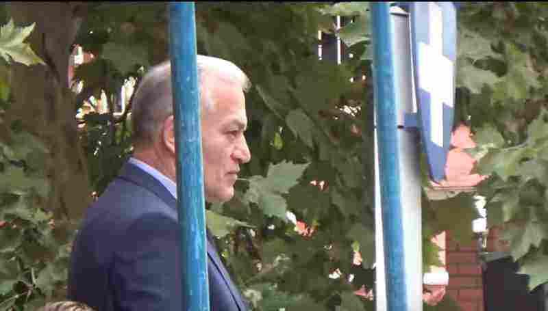 """Ο Δήμαρχος Αμπελοκήπων-Μενεμένης με """"εθνική υπερηφάνεια"""" στην παρέλαση της ντροπής"""
