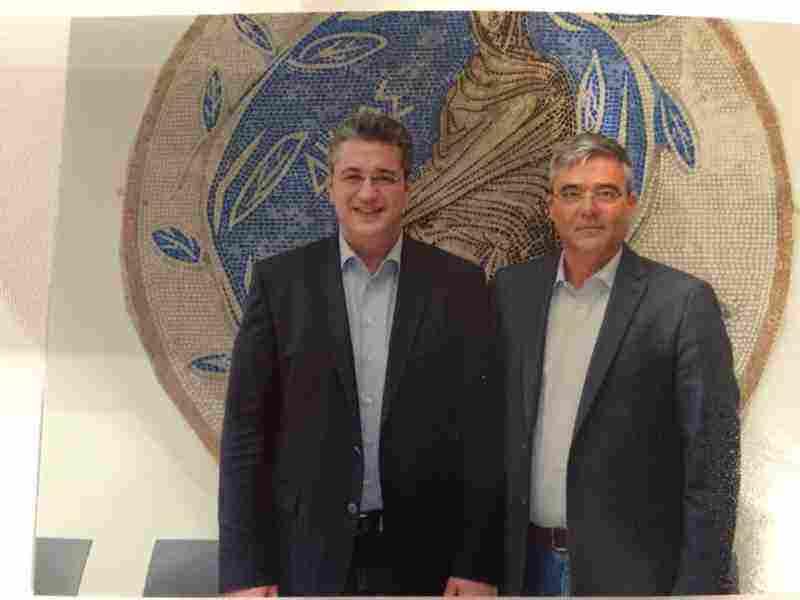 Ο υποψήφιος Πρόεδρος της Ν.Δ. κ. Απ. Τζιτζικώστας με τον Δήμαρχο Τανάγρας κ. Βασίλη Περγάλια