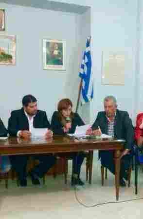 Η Αντιδήμαρχος Τανάγρας κ. Μαρία Νίκα, με τους Δ.Σ. κ. Διομήδη Δριχούτη από αριστερά και κ. Κων/νο Λαψάνη από δεξιά