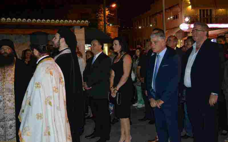 Ο Δήμαρχος Ωρωπού κ. Θωμάς Ρούσσης, με τη σύζυγο του, τον Αντιδήμαρχο κ. Δ. Τζεβελέκο και τον Πρόεδρο του Δημ.Συμβ. κ. Σ. Γκικάκη